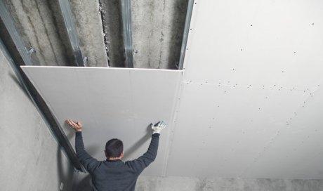 Pose de placo au plafond sur suspente Alès